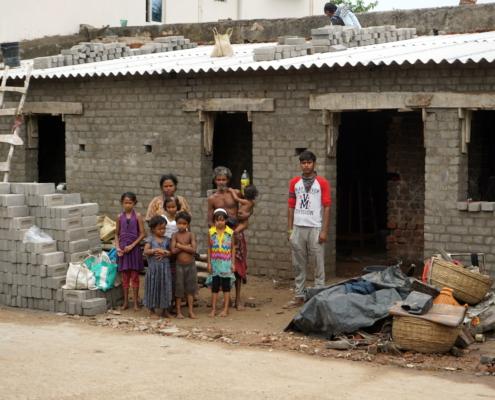 Familie Patra - Der Rohbau steht